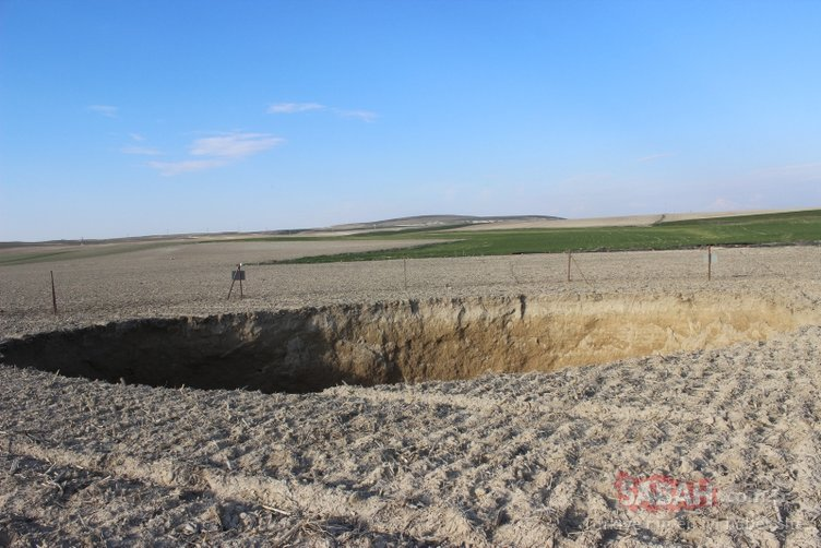 Konya'da 30 metre çapında obruk oluştu
