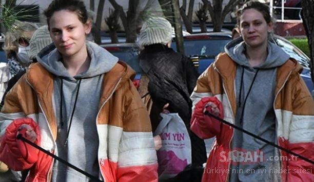 Farah Zeynep Abdullah sıfır makyaj hali ile yakalanınca... Farah Zeynep Abdullah hem maskesiz hem makyajsızı!