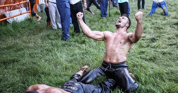 Tarihi Kırkpınar Yağlı Güreşleri'nde ilk gün müsabakaları sona erdi