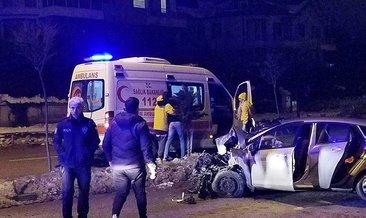 Virajda savrulanotomobil,karşı şeritte minibüsle çarpıştı: 9 yaralı