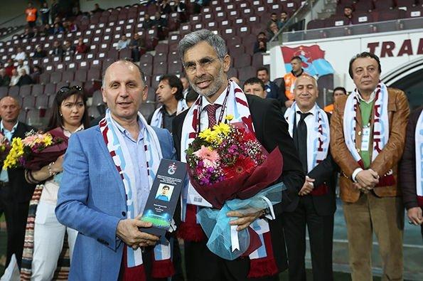 Trabzonspor'da efsanelere plaket verildi