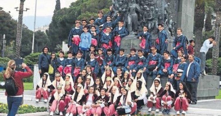 İzmir'de 23 Nisan provası