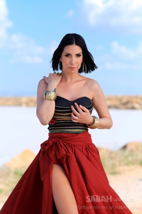 Gökçen Paprika sevgilisi Murat Aşık'a kur yaptığını iddia ettiği şarkıcı Tuğba Özerk ile davalık oldu!