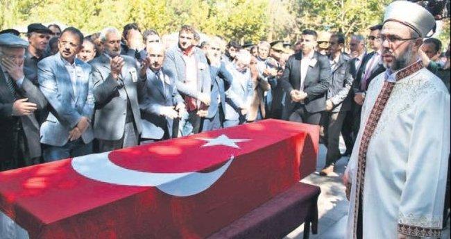 Şehit Arda Şen'i 5 bin kişi uğurladı