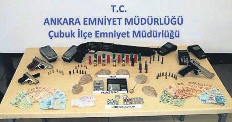 Uyuşturucu operasyonuna 8 tutuklama