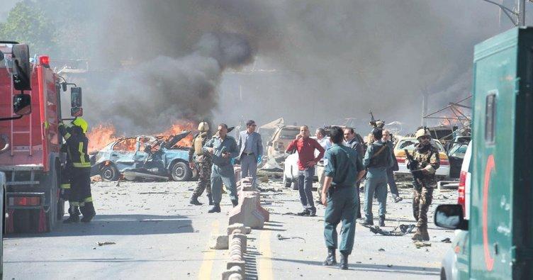 Tankerli bomba Kabil'i yıktı: 90 ölü