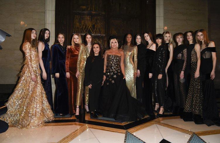 Ajda Pekkan, Londra Moda Haftası'na damga vurdu
