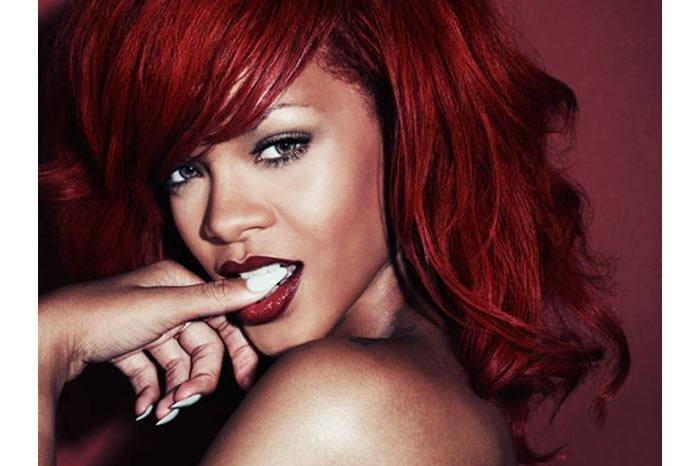 Rihanna'nın vücudu kadınları rahatsız ediyor