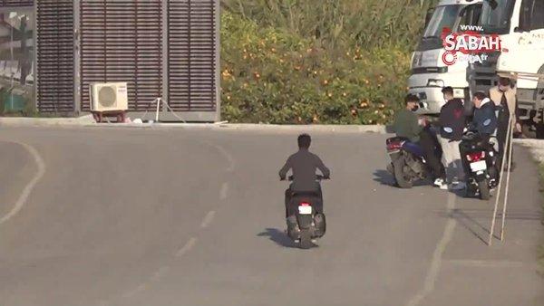 Motosikletli grubun trafikte ölüme davetiye çıkardığı anlar cezasız kalmadı   Video