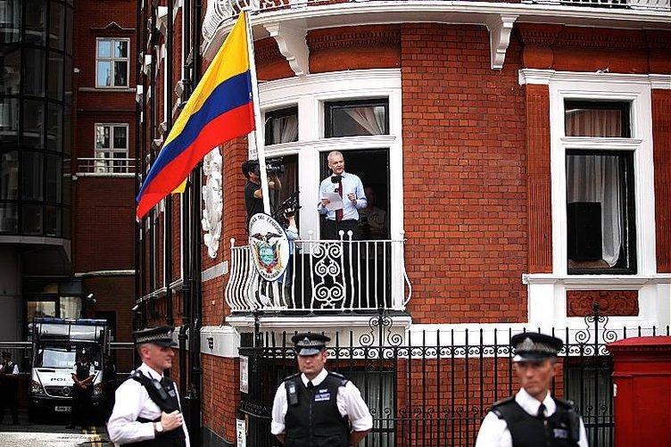Assange İsveç tarafından sorgulanacak
