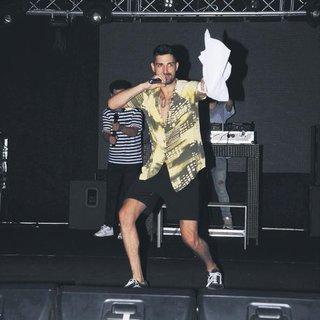 Önce halay sonra kanguru dansı