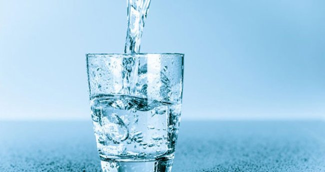 Suyun faydaları nelerdir? Su içmek zayıflatır mı? Günde ne kadar, en fazla kaç litre içilmeli? - Sağlık Haberleri