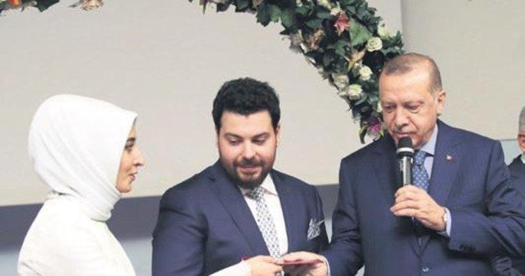 Erdoğan, danışmanının kızının nikah şahidi oldu