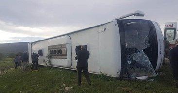 Tokat'ta otobüs devrildi; ölü ve yaralılar var