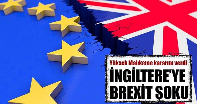 İngiltere'de hükümete Brexit şoku