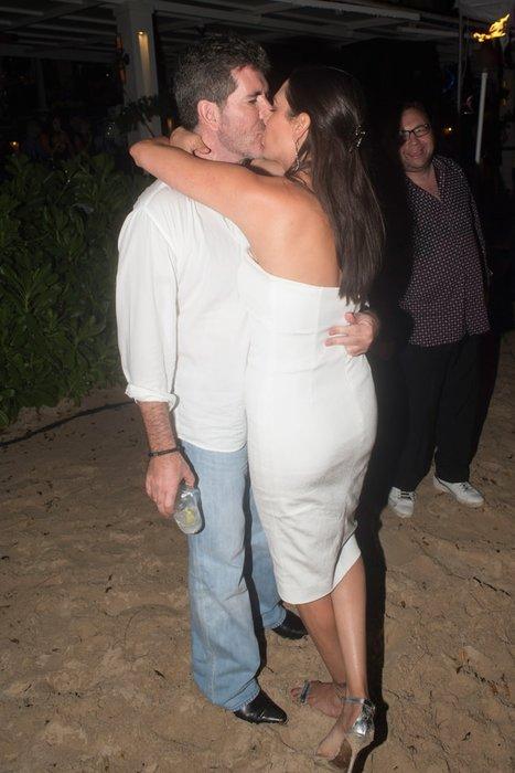 Birbirlerini öpmeye doyamadılar