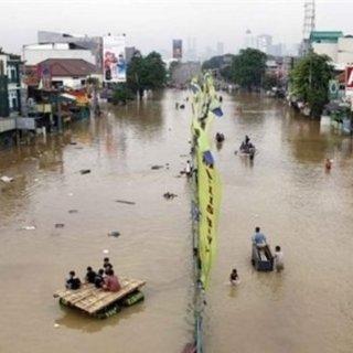 Endonezya'da sel! Ölü sayısı 89'a yükseldi!
