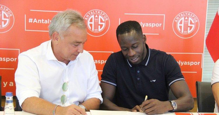 Antalyaspor, Aly Cissokho'yu transfer etti