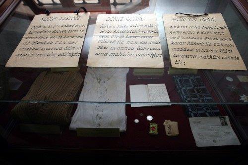 Deniz Gezmiş'in idam yaftaları Ulucanlar Cezaevi'nde