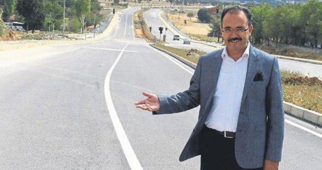 Uşak Belediyesi'nden asfalt rekoru