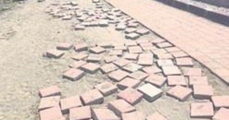 Melih ABİ: Yumurtalık sahil yolunun bu hali yazlıkçıları çok üzüyor