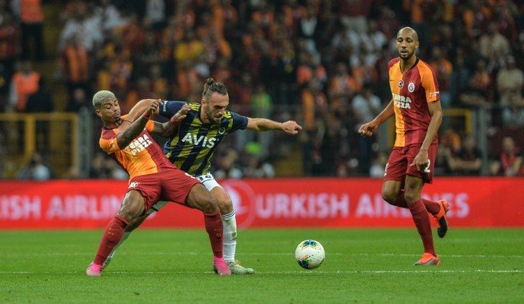 Galatasaray - Fenerbahçe maçından kareler