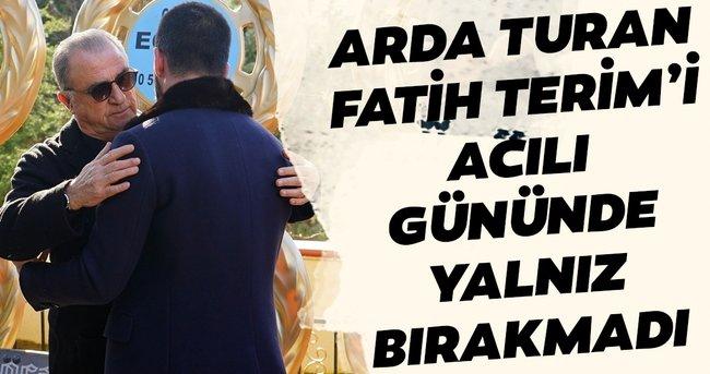 Arda Turan acılı gününde Fatih Terim'i yalnız bırakmadı
