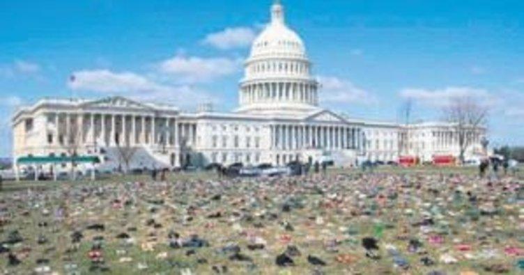 Beyaz Saray'da ayakkabılı eylem
