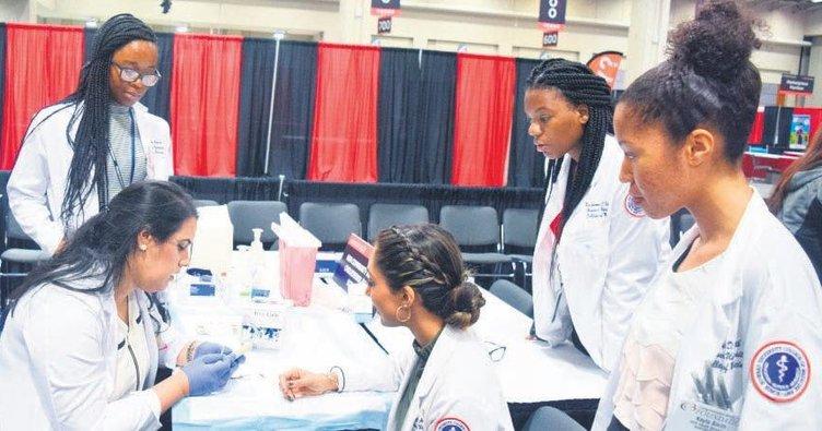 Siyahi doktorlar için 100 milyon dolar