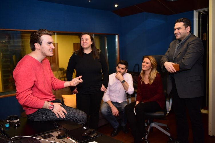 Mustafa Ceceli'nin stüdyoda bir günü