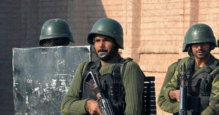 Afganistan'da karakola Taliban saldırısı: 15 ölü