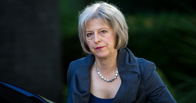 İngiltere Başbakanı Theresa Mary May'e Denizli'den ipek şal