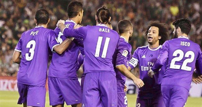 Madrid ekipleri farklı kazandı