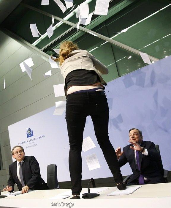 Mario Draghi'ye saldırı