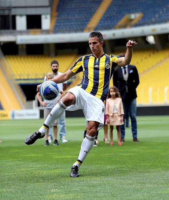 Van Persie'den Galatasaraylıları çıldırtacak hareket!