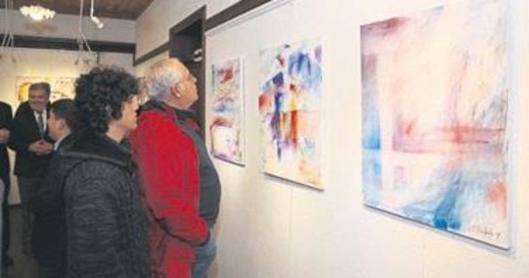 Hollandalı komşu resim sergisi açtı