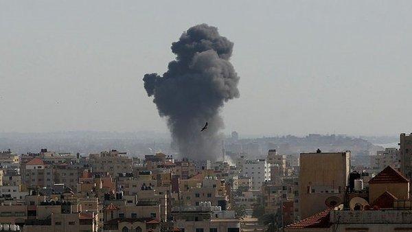 İsrail'in Gazze Şeridi'ne yönelik saldırılarında 10'u çocuk 28 Filistinli şehit oldu   Video