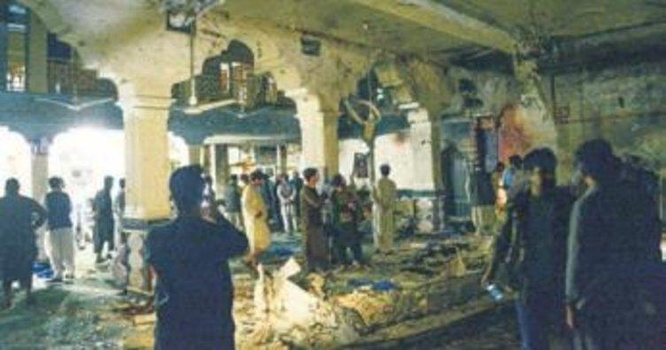 Afganistan'da camiye saldırı: 20 ölü