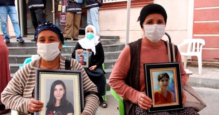 Diyarbakır'daki evlat nöbetine 3 aile daha katıldı