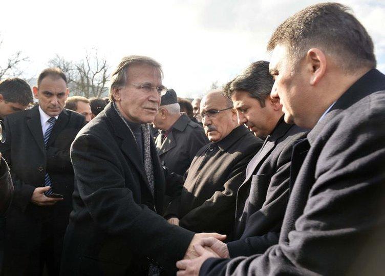 Mehmet Ali Şahin'in eşi son yolculuğuna uğurlandı