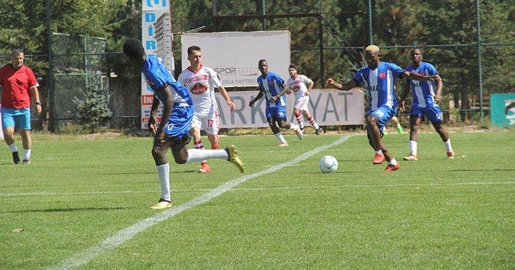 'Mahmut Köyü 1453' ile 'Afrika Karması' hazırlık maçı oynadı