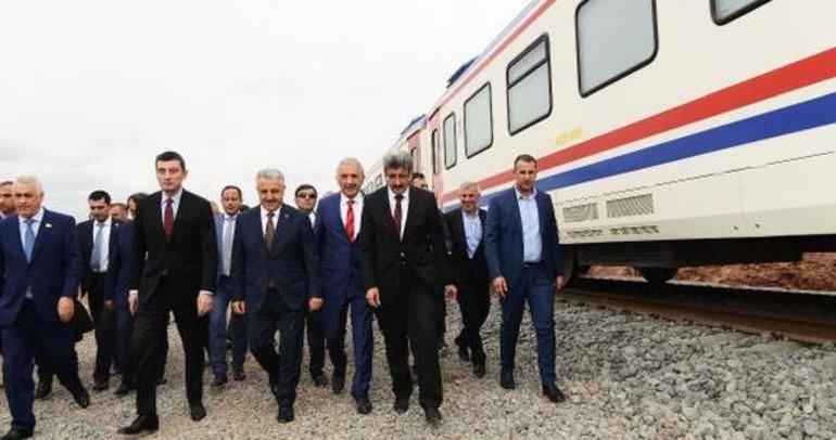 Demiryolunda 3 ülke bakanı test sürüşüne katıldı