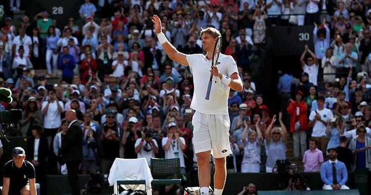 Roger Federer maçı hediye etti