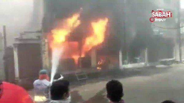 Hindistan'da boya dükkanında yangın: 4'ü çocuk, 7 kişi öldü   Video