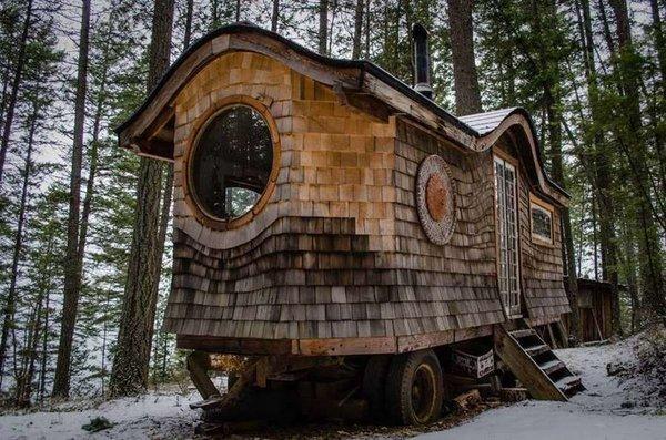 Hobbit ev görenleri büyülüyor!