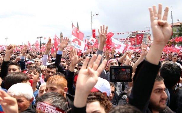 Sivas'ta Cumhurbaşkan'ı Erdoğan'a sevgi seli