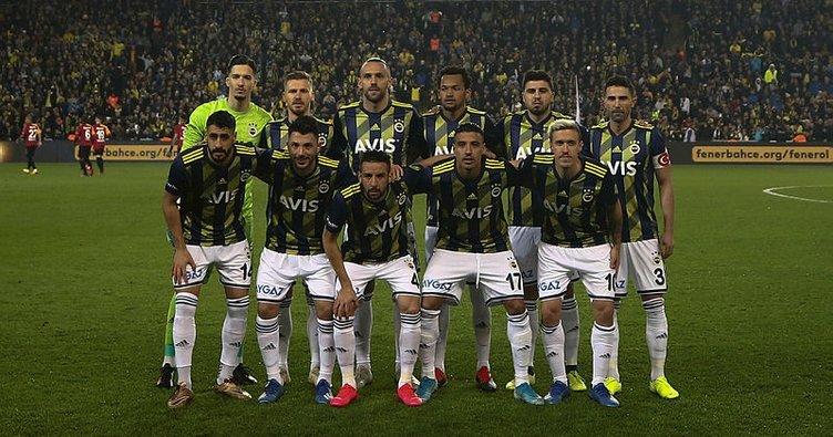 Fenerbahçe'de iki futbolcunun corona virüsü test sonuçları açıklandı
