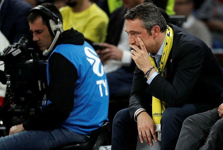 Fenerbahçe, Anadolu Efes'e yenildi, Ali Koç yıkıldı! İşte o görüntüler...