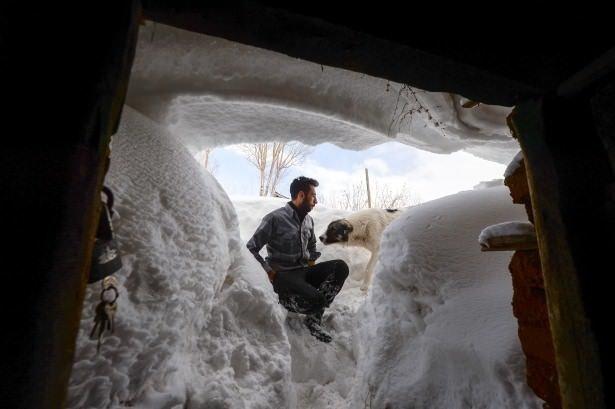 Bütün mahalle kar altında kaldı! Burası Türkiye