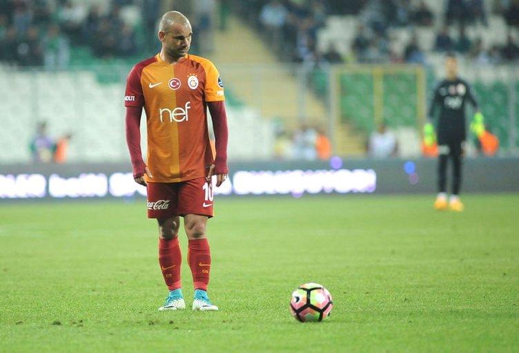 Sneijder'in yerine 19'luk Hırvat